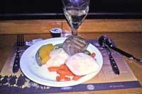 昼に続いてオージービーフのステーキ